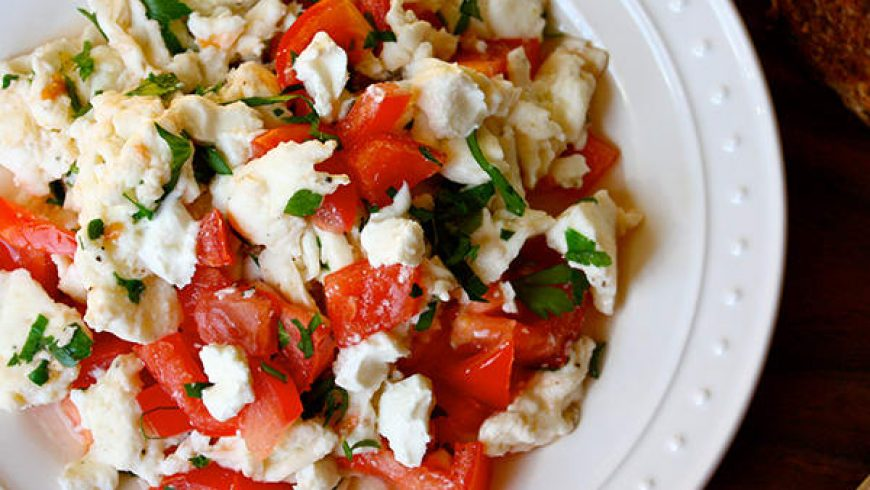 Goat Cheese, Tomato, and Parsley Scramble